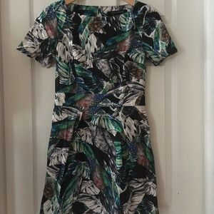 SZ 4 Short Sleeve Feather Print Dress